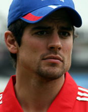 England v Sri Lanka: Alastair Cook laments 'disappointing' end to series