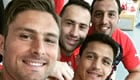 Photo: Sanchez, Giroud all smiles in Arsenal dressing room after Chelsea draw