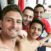 Arsenal stars snap selfie after draw