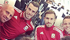 Ramsey snaps selfie with Bale
