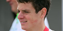 Javier Gomez beats Jonny Brownlee in sprint for world triathlon title