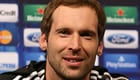 Van der Sar: Cech needs to find 'nice new club'