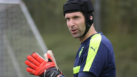 Martin Keown delivers verdict on Petr Cech's performance in Arsenal's 2-0 loss