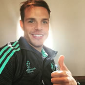 Azpilicueta all smiles on his way to France