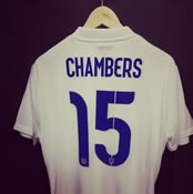 Photo: Arsenal defender Calum Chambers shows off England shirt