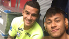 Coutinho and Neymar pose for selfie