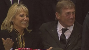 Photo: Kenny Dalglish reacts to Liverpool's 4-3 win over Dortmund