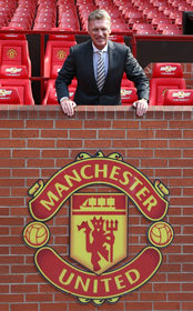 Man Utd branded 'unprofessional' in handling of David Moyes