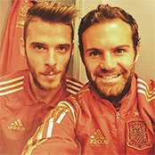 Mata snaps celebratory selfie with De Gea