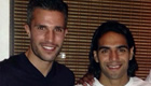Photo: Robin van Persie poses with new Man Utd signing Radamel Falcao