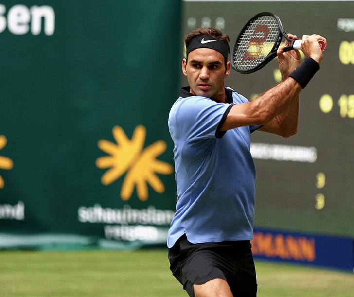Roger Federer beats Alexander Zverev to win ninth Halle title