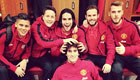 Photo: Man Utd stars Falcao and Herrera get to grips with Fellaini's hair