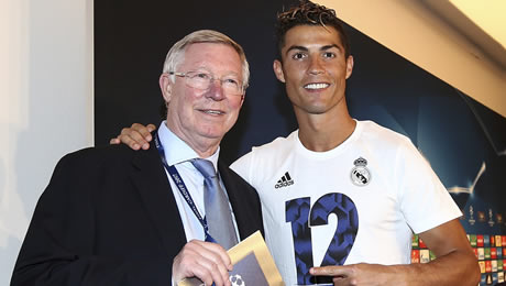 Cristiano Ronaldo urged to reject Man United move and join top European club
