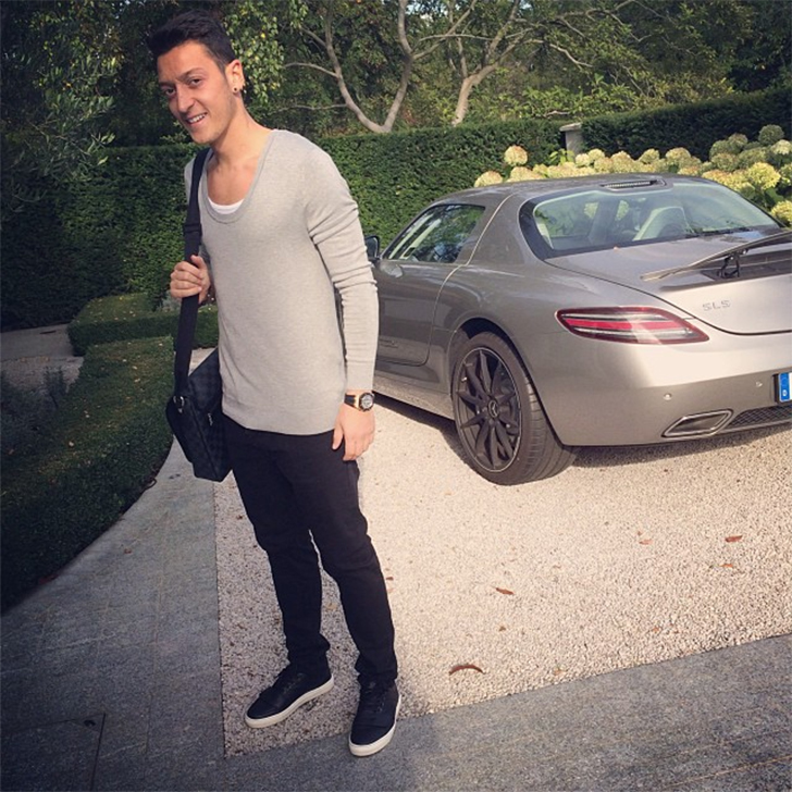 footballers sports cars 2016