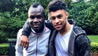 Photo: Alex Oxlade-Chamberlain catches up with former Arsenal team-mate