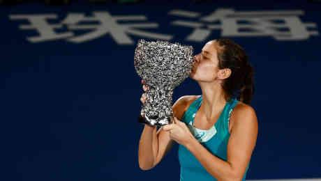 Wimbledon 2018: Serena Williams battles through to meet semi-final debutante Julia Goerges