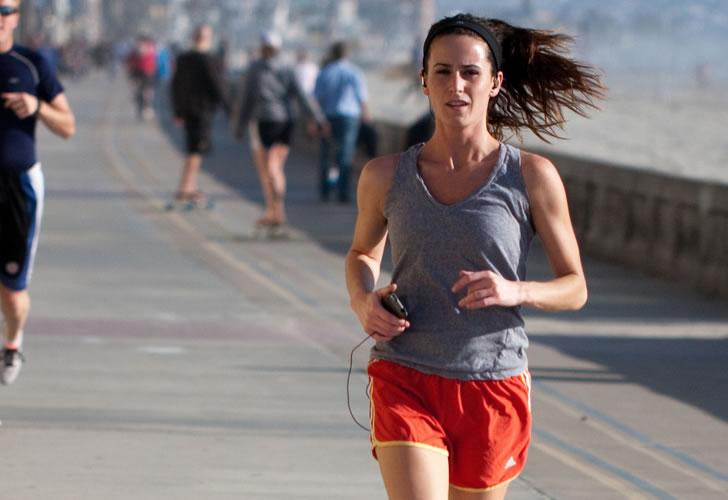 girl running workout