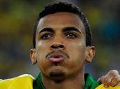 Arsenal transfers: Luiz Gustavo plays down talk of move