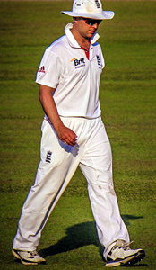 Jonathan Trott's comeback a work in progress after Warwickshire return
