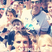 Lamela all smiles with Tottenham fans