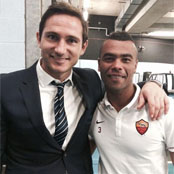 Photo: Ashley Cole chills with former Chelsea team-mate Frank Lampard