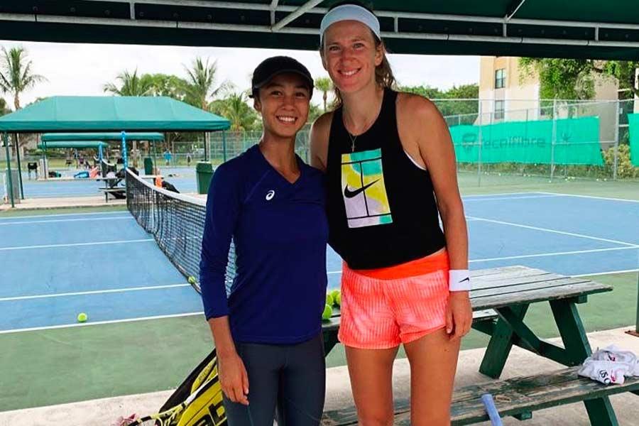 Leylah Fernandez with Victoria Azarenka