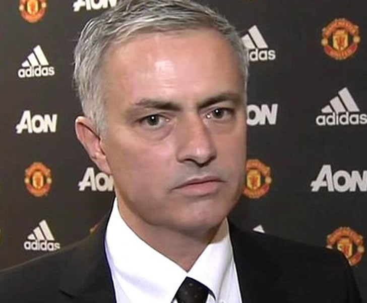 man united striker targets