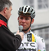 Mark Cavendish hits the gym with yellow jersey on his mind