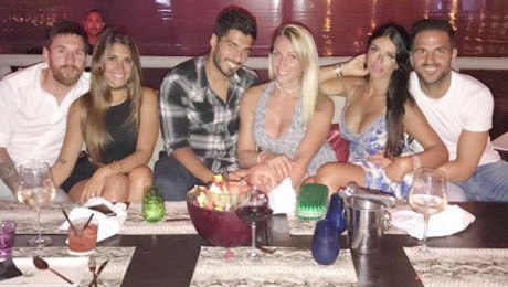 Photo: Cesc Fabregas hangs out with Barcelona superstars on holiday