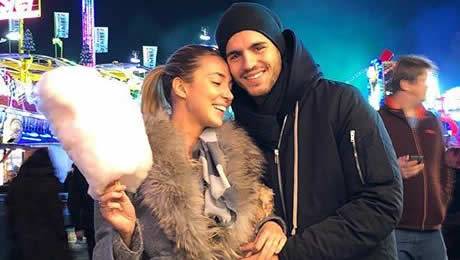 Photo: Chelsea's Alvaro Morata enjoys first winter in London with his wife