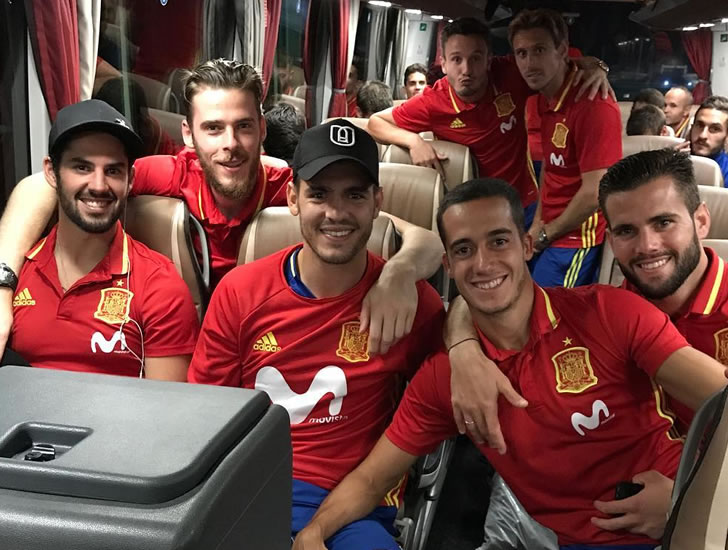 Spain look Russian Federation bound after easy World Cup win over Italy