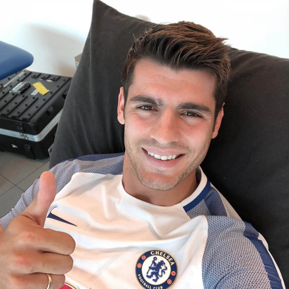 Alvaro Morata sends clear Chelsea warning to Man United fans