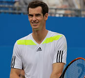 Valencia Open: Murray breaks heroic Robredo effort in title match again