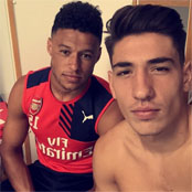 Arsenal duo post serious selfie