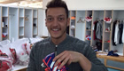 Photo: Arsenal's Mesut Ozil all smiles ahead of Brighton clash