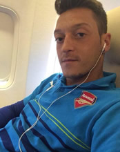 Mesut Özil doesn't look happy at Arsenal, says Liverpool legend