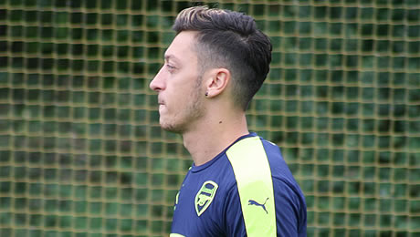 New Arsenal signing comments on Mesut Ozil's future