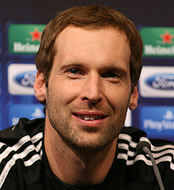 Petr Cech: Chelsea still have title chance with Liverpool trip
