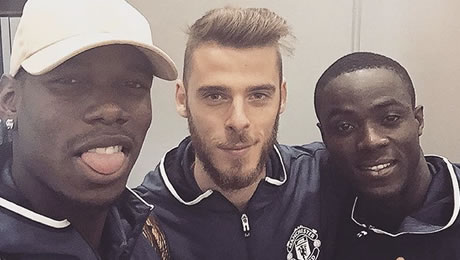 Photo: Paul Pogba all smiles with Eric Bailly ahead of Chelsea v Man Utd