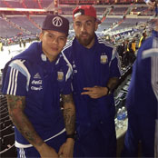 Aguero and Rojo watch NBA game