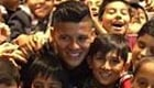 Photo: Man Utd star Marcos Rojo meets Red Devils fans