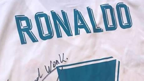 Photo: Cristiano Ronaldo sends classy message to Man United starlet