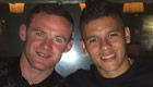 Photo: Marcos Rojo poses with Man Utd captain Wayne Rooney
