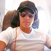 Sanchez snaps selfie on plane