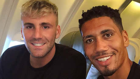 Photo: Man United duo all smiles on flight to LA