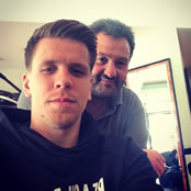 Szczesny gets fresh trim ahead of Hull v Arsenal