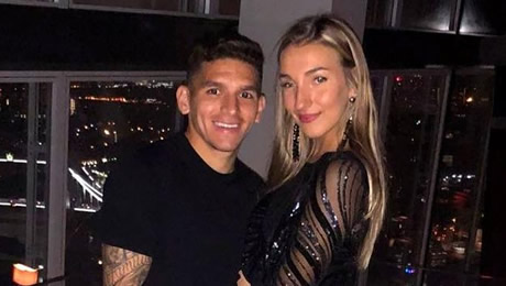 Photo: Lucas Torreira all smiles with his girlfriend after Arsenal win