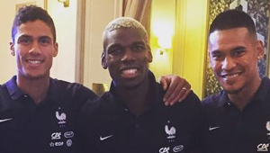 Watch: Paul Pogba catches up with Man Utd legend