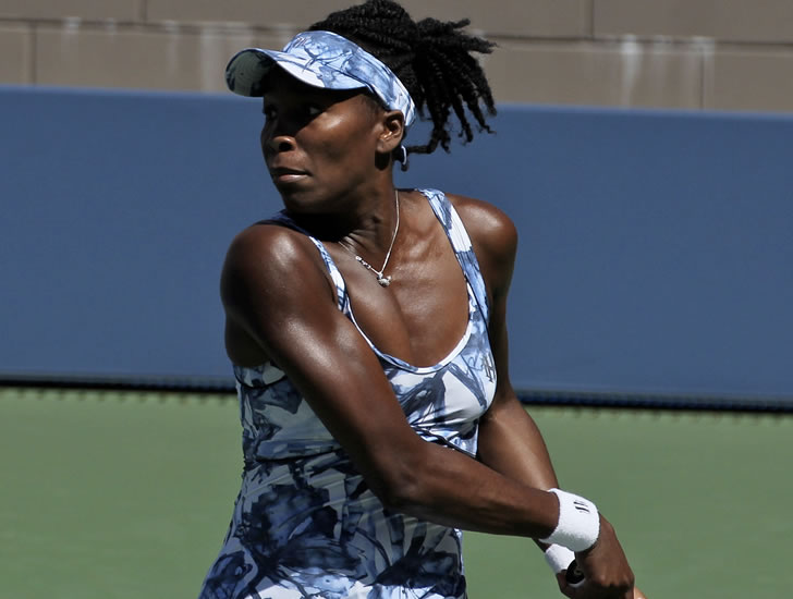 Venus Williams gets win over Serena at Indian Wells; Sloane Stephens ousted