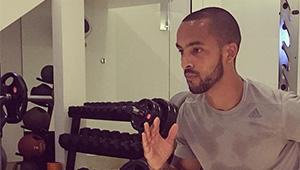 Photo: Arsenal star Theo Walcott steps his game up with personal trainer